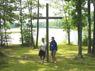 Samantha and Sydney by the cross
